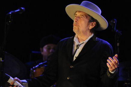 看Bob Dylan諾獎謝辭,如何完美示範寫作功力