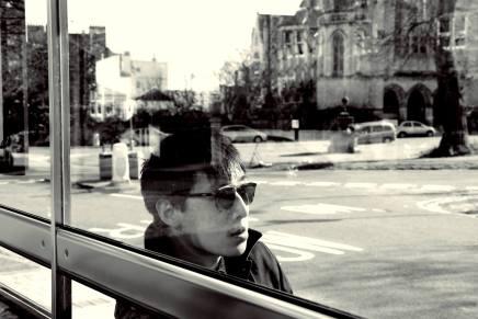 【樂評】乘著Tjoe的爵士結他,一趟無負擔的倫敦旅程:《FLOW LONDON》