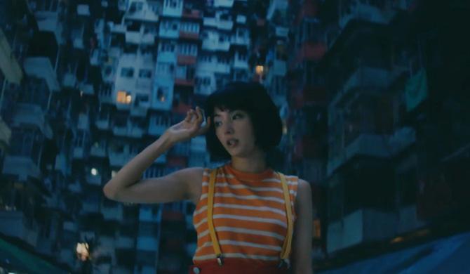一鏡到底拍攝、於香港取景拍攝的《Labyrinth》MV早前引起熱議。(YouTube截圖)