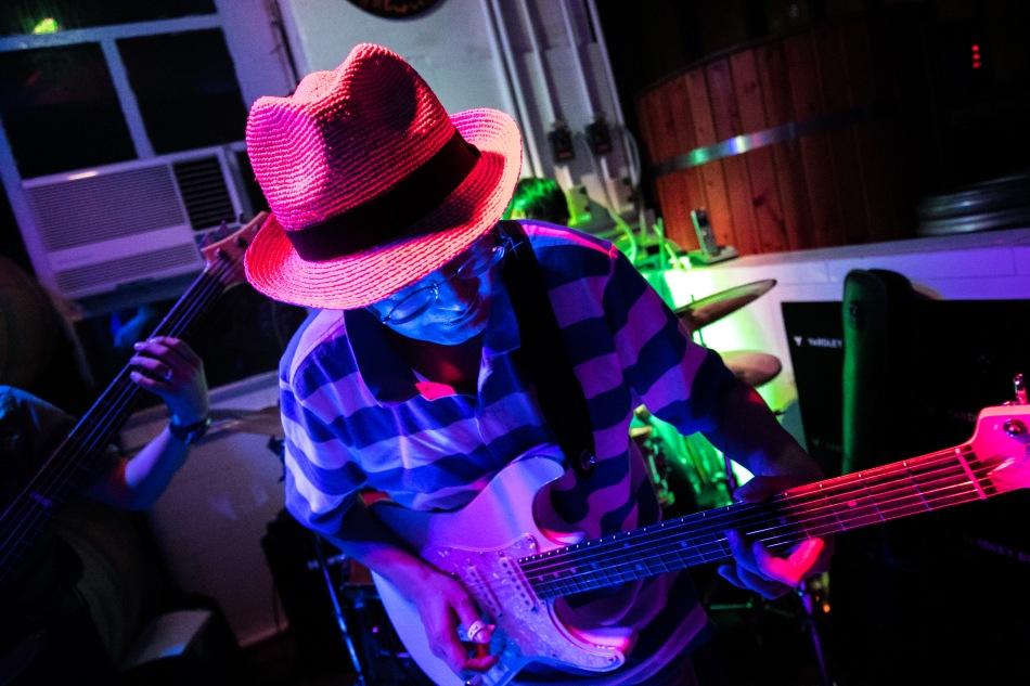 Blues-in-hk-05